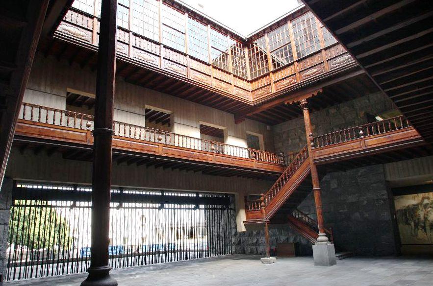 Patio de la Casa Hamilton. Sede de la Presidencia del Gobierno de Canarias en Santa Cruz de Tenerife